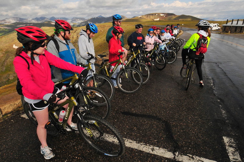 Photo by Walt Hester<br /> A tour group prepares for a chilly descent from Rock Cut, down Trail Ridge Road back into Estes Park on Saturday. This weekend was the last Free Day in the Rocky Mountain National Park for the season