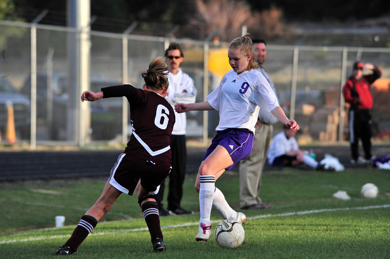 Walt Hester | Trail Gazette<br /> Estes Park's Jenna Wahler keeps Berthoud honest by driving deep into the Spartans' end. Wahler nearly scored but more importantly, her speed kept the defenders tentative as time ran out in the 2-0 Ladycats' win.