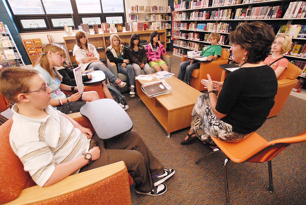 Photo by Walt Hester<br /> Estes Park Middle School librarian Elizabeth Repola talks to her advisory group about student council on Wednesday. Activities have just begun for the 2009-2010 and students have just started to lear about all of the extra-curricular options open to them.