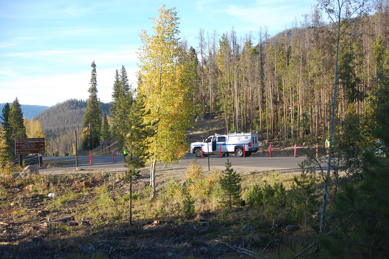 Park officials closed Trail Ridge Road at the Kawuneeche Visitor Center Saturday afternoon after the Onahu Fire broke out approximately two miles further up the road.