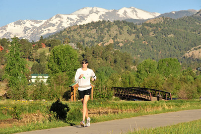 Walt Hester | Trail Gazette A runner starts her day on the Lake Estes Trail on Wednesday. Outdoor enthusiasts will have plenty of chances to play, as weekend weather should be warm and mostly sunny.