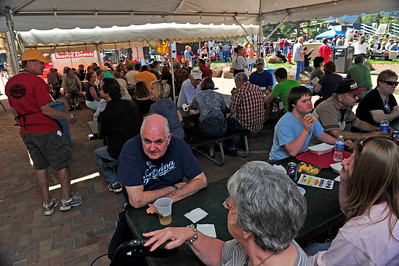 Walt Hester | Trail Gazette Visitors enjoy beer, brats and live music in Bond Park this Sunday. The annual Autumn Gold festival highlighted the many event in a busy weekend in Estes Park.