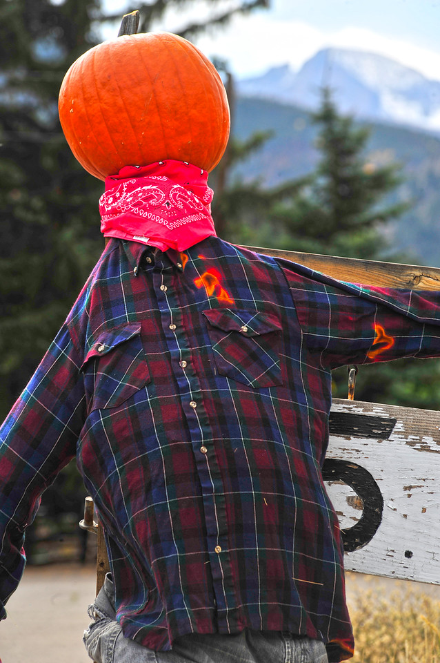 Walt Hester | Trail Gazette<br /> A scarecrow at Coffee on the Rocks invites visitors in for a drink.