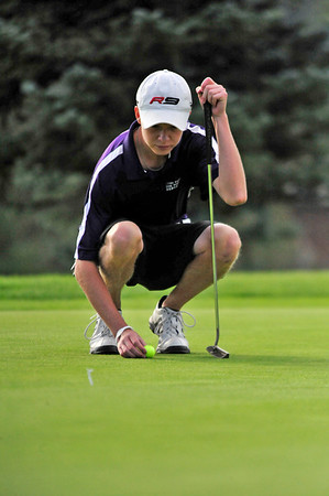 Walt Hester | Trail Gazette<br /> Estes Park's Dylan Jirsa lines up a put at the Estes Park invitational Tournament in September. Jirsa finished the state turnament at 11 over park on Tuesday, good for 15th in 3A.