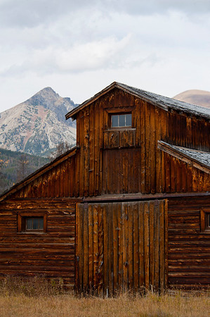 Walt Hester | Trail-Gazette<br /> A barn stands against the Never Summer Range at the Gaskil site in Kawuneeche Valley on Wednesday. The barn is one of a very few structures still standing at the site.
