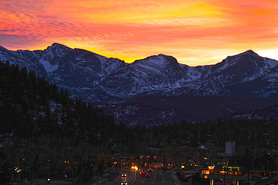 Walt Hester | Trail Gazette Sunset illuminates thin clouds over the Continental Divide on Wednesday. The calm beauty belies the coming winter storm on Thursday.