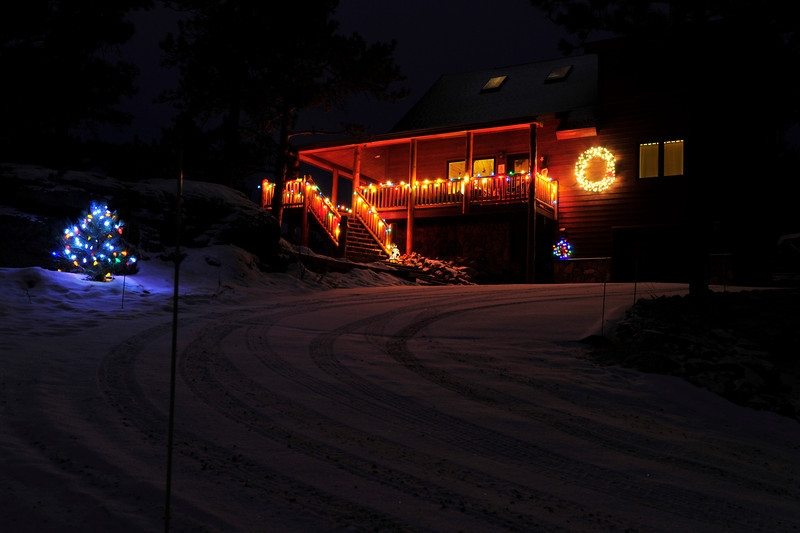 Walt Hester | Trail Gazette<br /> A subdued but beautiful display sits above Courtney Lane high over downtown Estes Park.