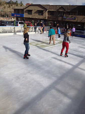 The new Estes ice rink attracts locals and visitors.