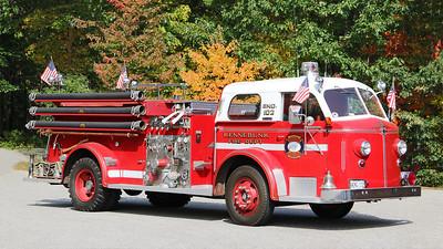 Engine 102   1950. American LaFrance 700 Series  750 / 200