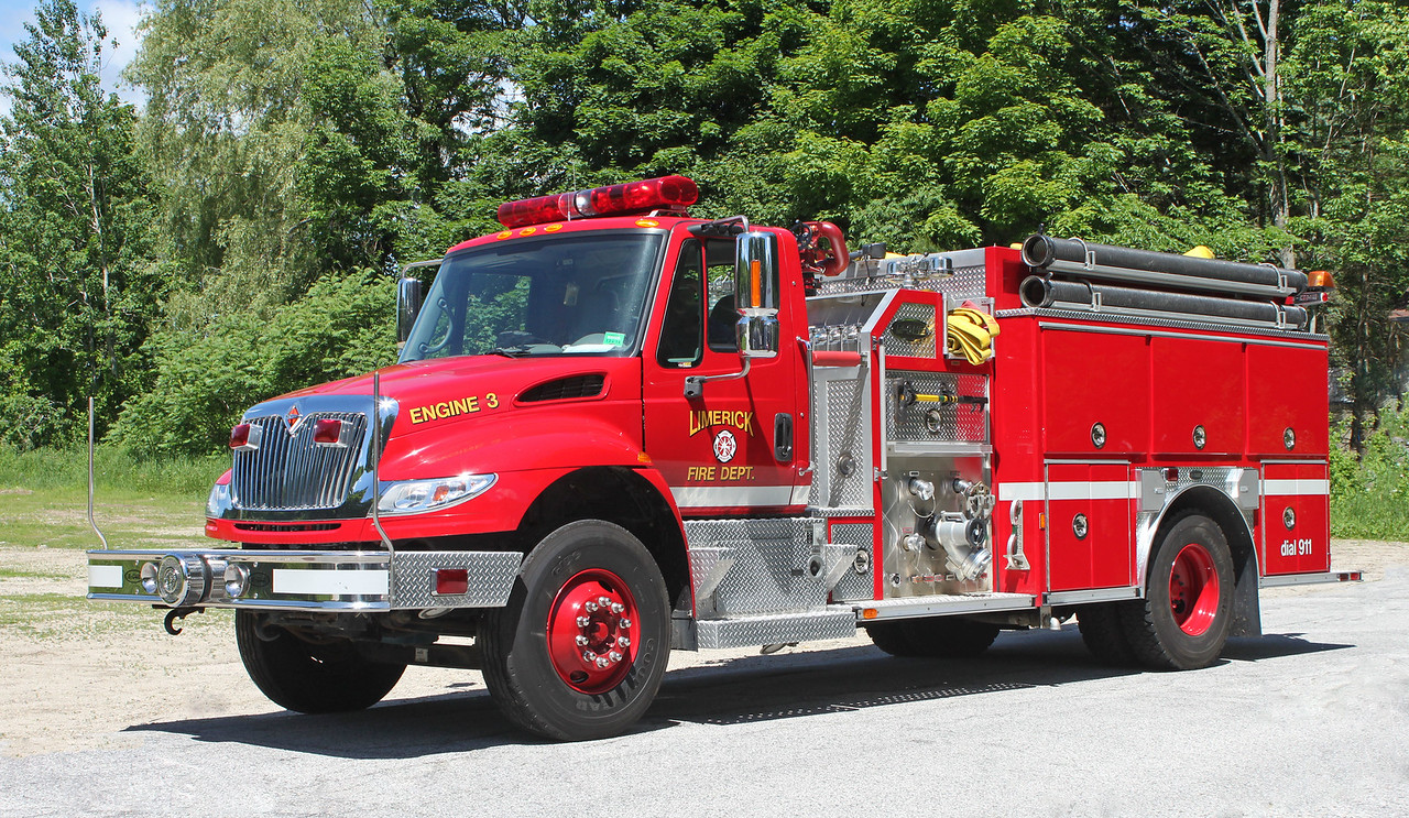Engine 3 2004 Freightliner / E-One 1250 / 1000