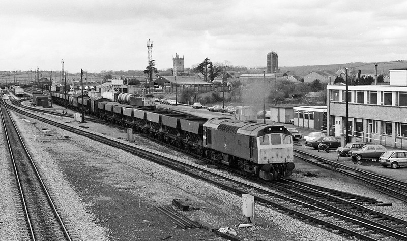 25205, up freight, Severn Tunnel Junction , 15-4-86.