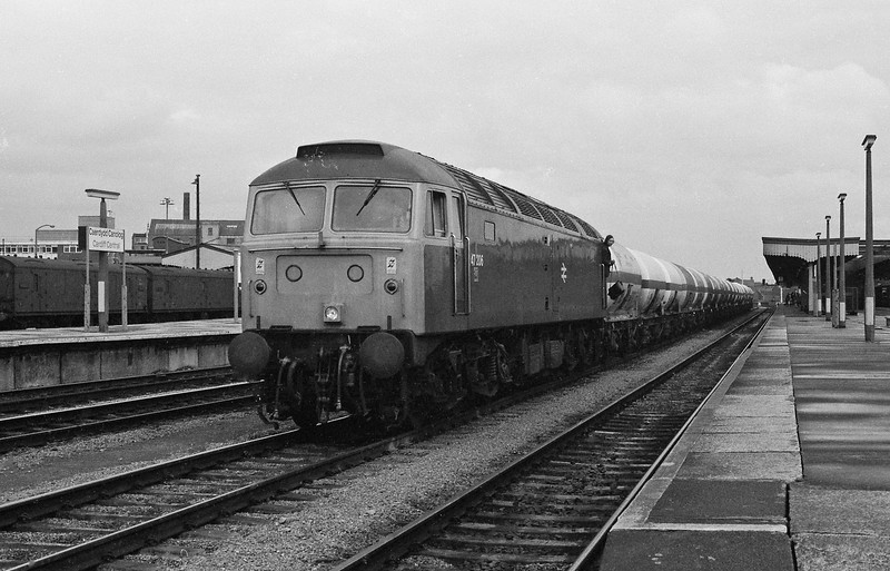 47206, down tanks, Cardiff Central, 15-4-86.