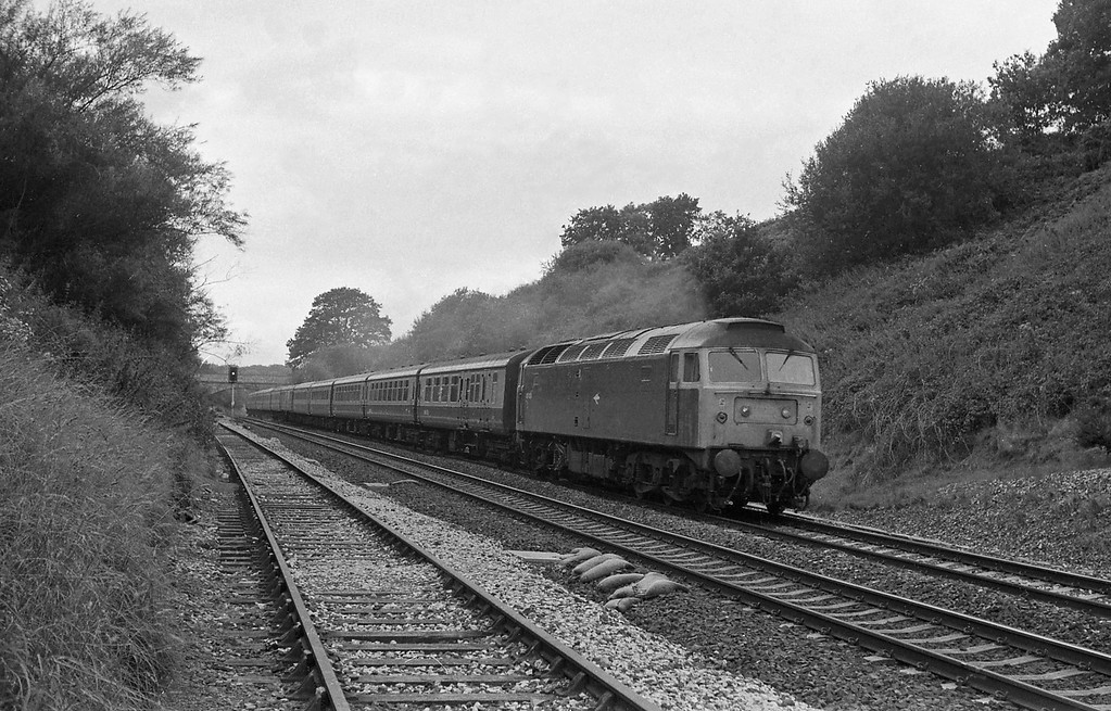 47474, 09.34 Penzance-Newcastle, Whiteball Tunnel, 30-8-86.