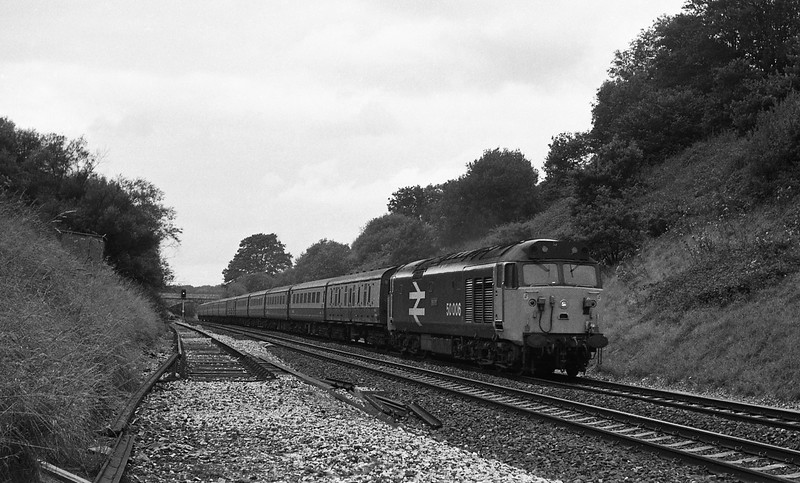 50006, 10.10 Newquay-Manchester Piccadilly, Whiteball Tunnel, 30-8-86.