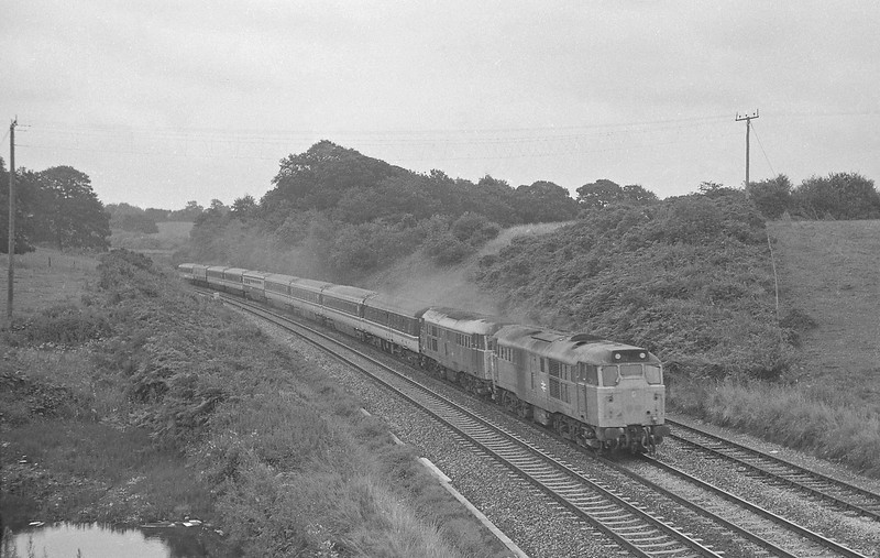 31402/31439, 08.40 Liverpool Lime Street-Paignton, Whiteball, 23-8-86.