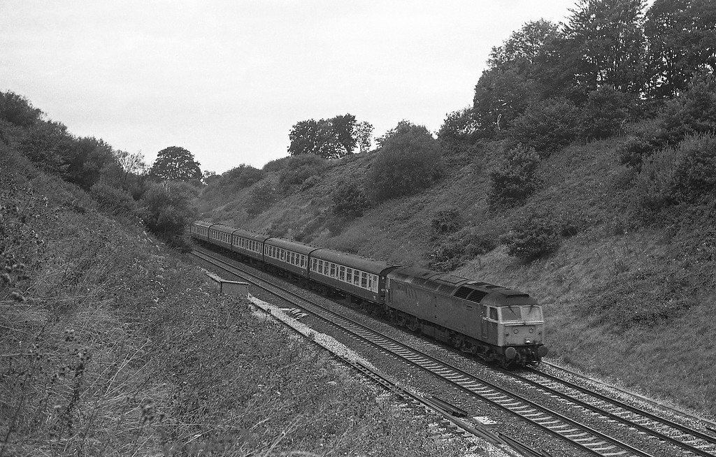 47442, 09.18 Newquay-Newcastle, Whiteball Tunnel, 30-8-86.