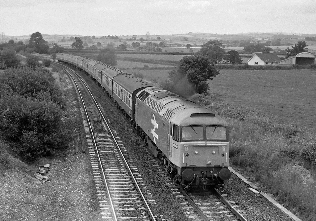 47202, unidentified up passenger, Willand, near Tiverton, 19-7-86.