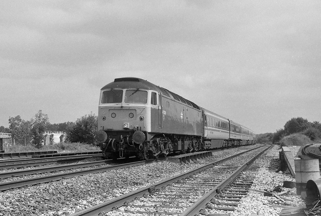 47538, 07.5 Milton Keynes-Penzance, Tiverton Junction Station, Willand, near Tiverton, 19-7-86.