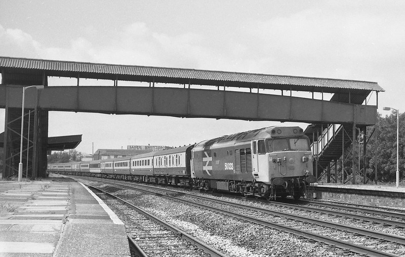 50033, 07.35 Penzance-Aberdeen, Tiverton Junction Station, Willand, near Tiverton, 19-7-86.