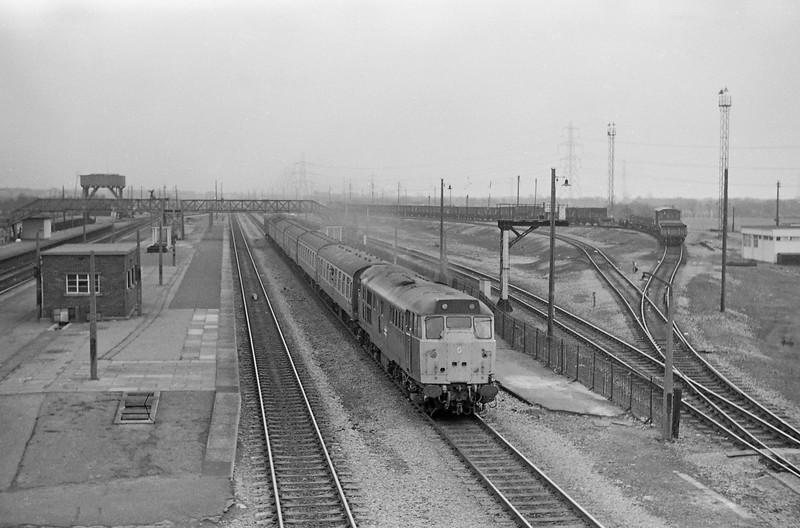 31465, down passenger, Severn Tunnel Junction, 11-3-86.