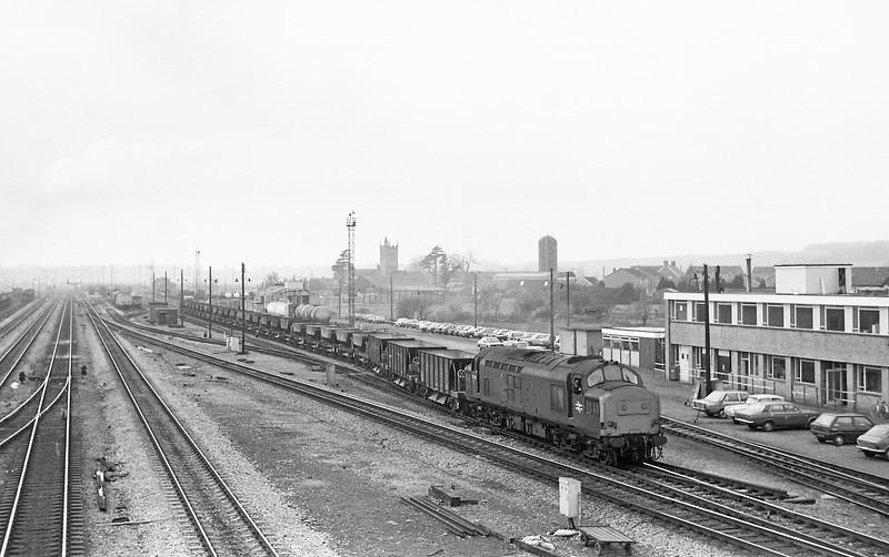 37239, northbound ballast empties, Severn Tunnel Junction, 11-3-86.