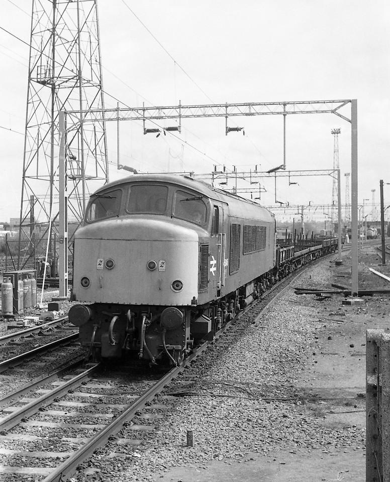 45046, down freight, Bescot, 13-5-86.