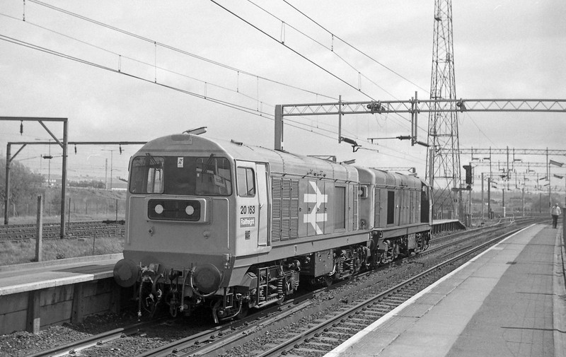 20214/20163, up light, Bescot, 13-5-86.