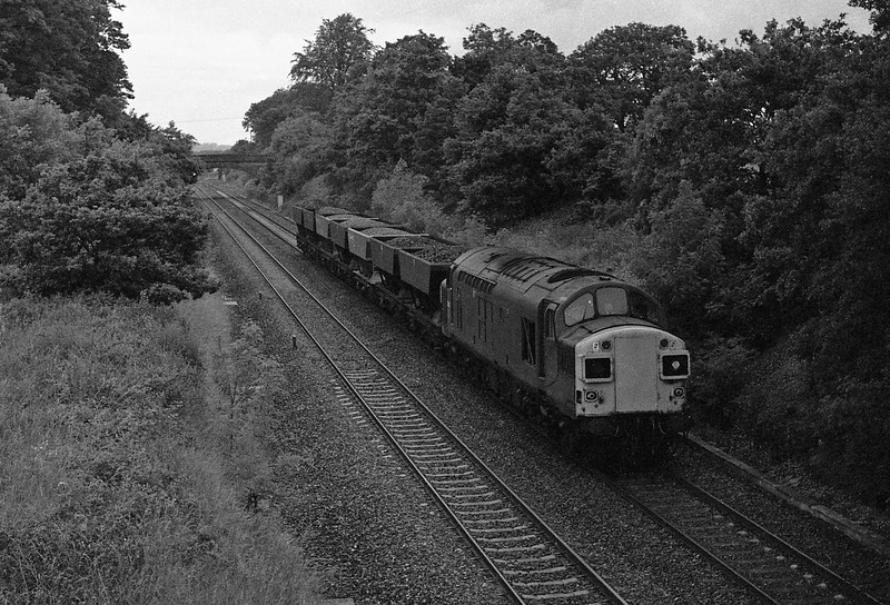 37087, down freight, Willand, near Tiverton, 18-6-87.