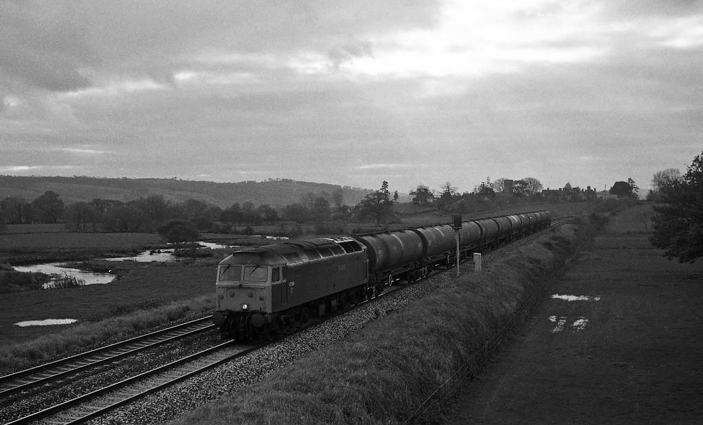 47596, Heathfield-Waterston, Rewe, near Exeter,17-11-87.