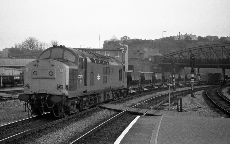 37174, up departmental, Bristol Temple Meads, 12-4-88.