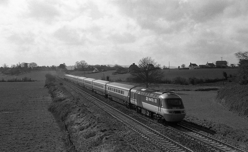 HST, up, Rewe, near Exeter, 15-3-88.