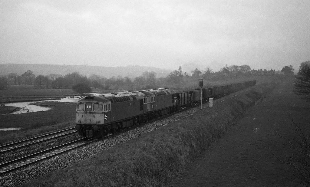 Unidentified 33s, up departmental, Rewe, near Exeter, 22-3-88, heavy rain.