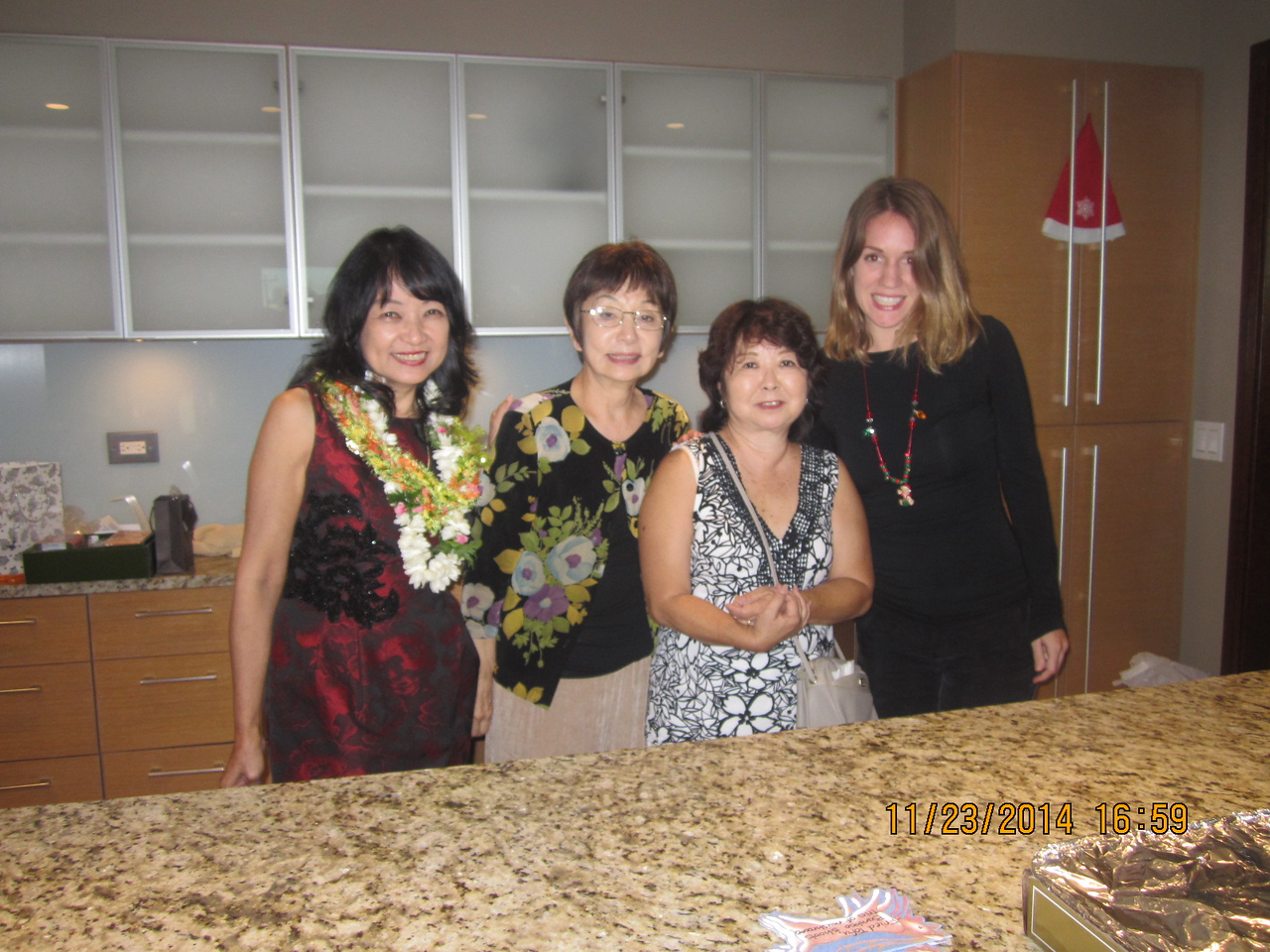 Linda with hostess Kathy and 2 assitants