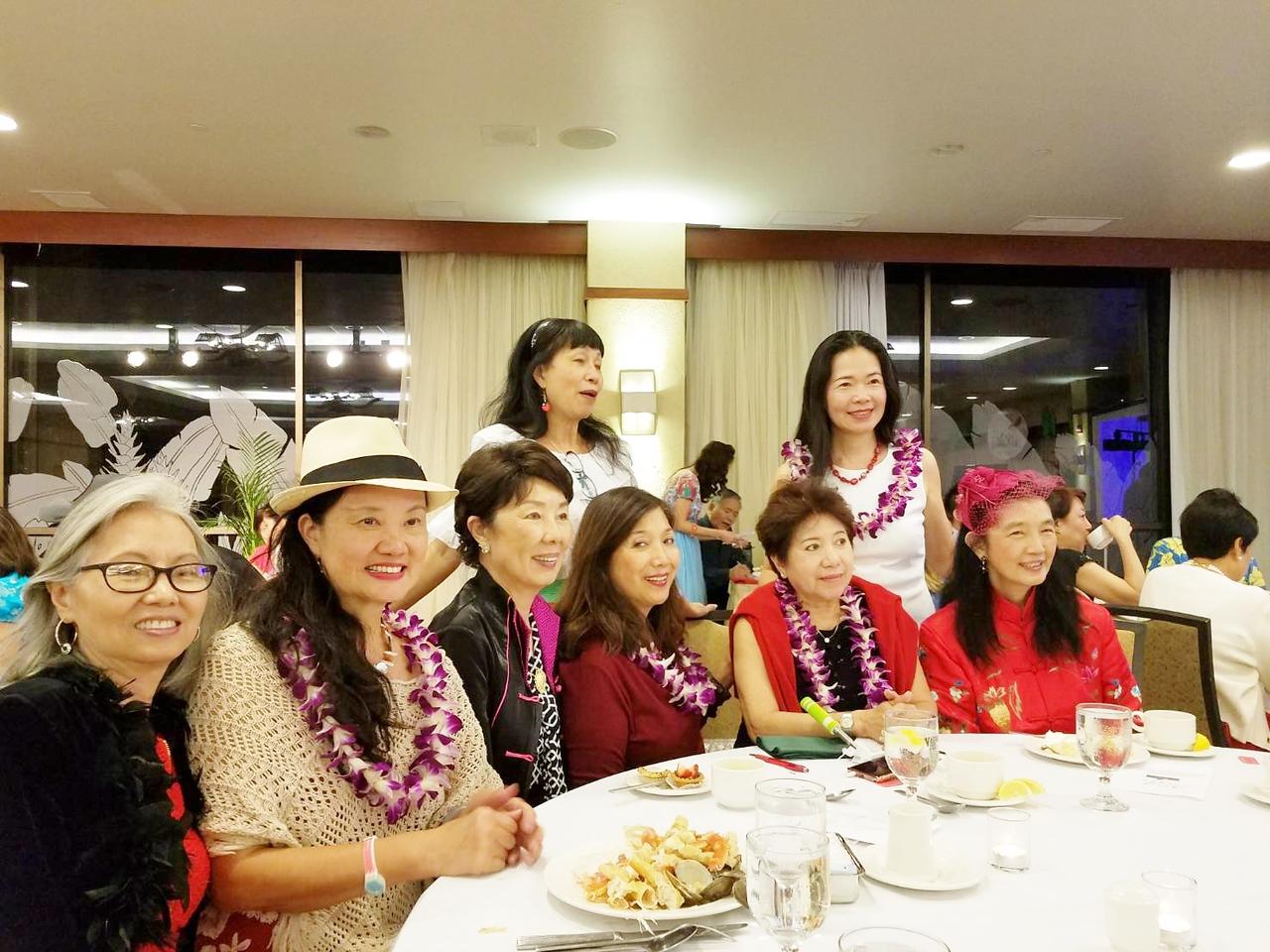 021718 at TAA dinner : Susan - MayLee  Jennie - Li May - Diana - Elizabeth - SJ & Amy