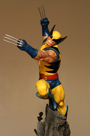 Bowen Designs Wolverine Action Statue Yellow PHASE 3