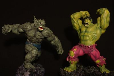 Bowen Designs Hulk vs Abomination Statue