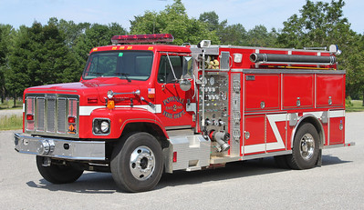 Engine 2 1998 International / Metalfab 1250/1500