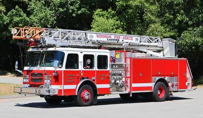 Ladder 4.  2004 E-One   2000 / 500 / 75' RM