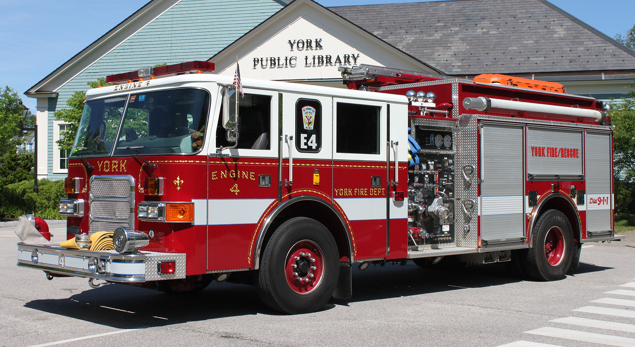 Engine 4  2001 Pierce Enforcer  1500/1000
