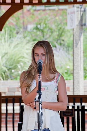 Halle Lorsordo, Musical Dedication