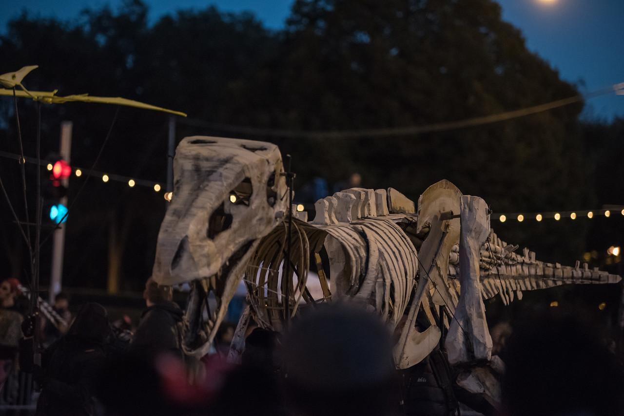 161022 Jabberwocky Halloween Parade (Photo by Johnny Nevin) -141