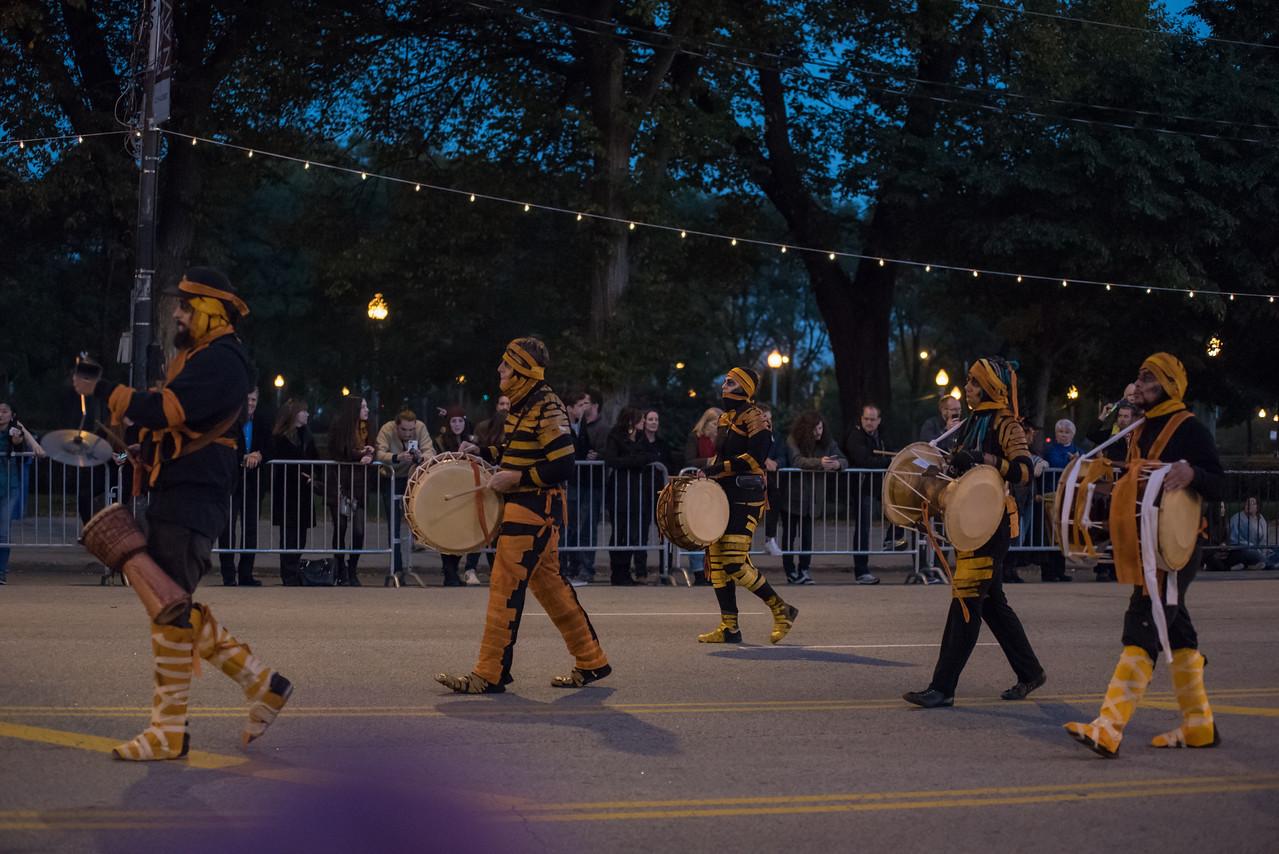 161022 Jabberwocky Halloween Parade (Photo by Johnny Nevin) -111
