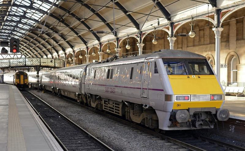 91131, Newcastle. Wed 9 October 2013 - 1503.  East Coast's 1330 Edinburgh - King's Cross stands at platform 4.