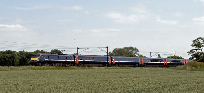 Northbound 91118, East Cowton, Wed 23 June 2010 - 1402