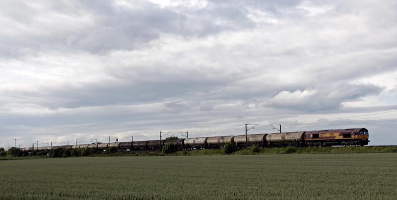 66172, 6D43, East Cowton, Wed 23 June 2010 - 1746    DB Schenker's 1350 Jarrow - Lindsy tank empties.