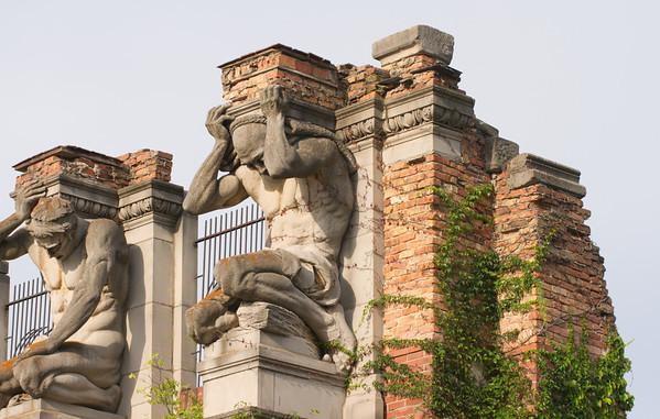 Holliday Park Statuary