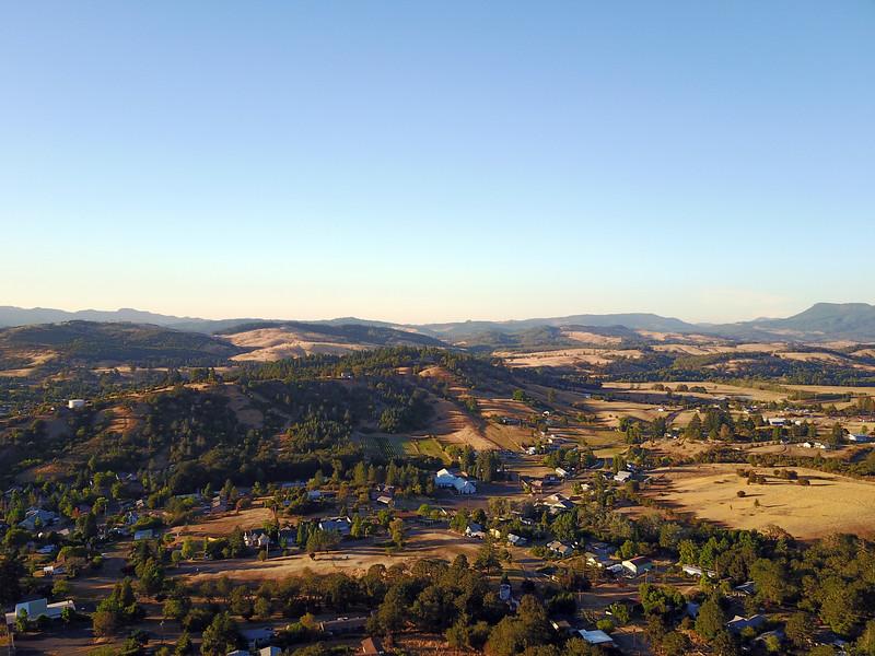 Distant view of Triple Oak Vineyard