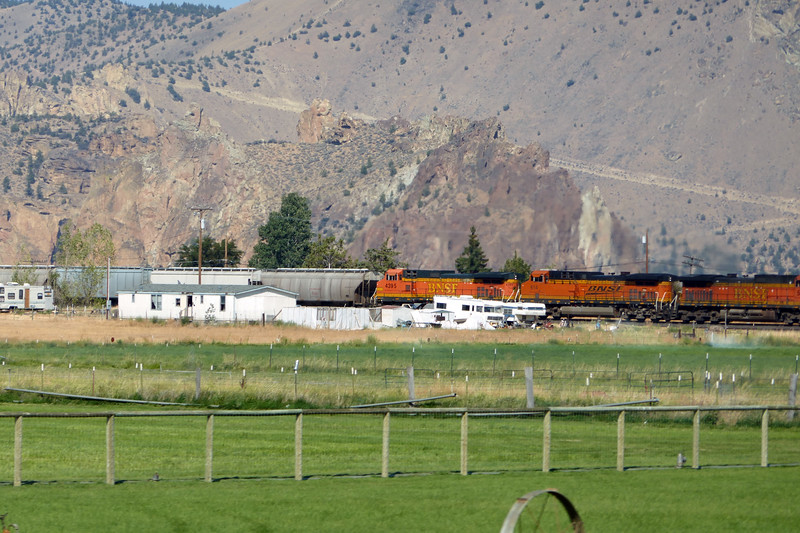 A train passing Smith Rocks, Terrebonne
