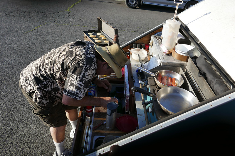 Now it's Sunday morning, 24 hours to go. Brian cooks breakfast using his amazing trailer/kitchen