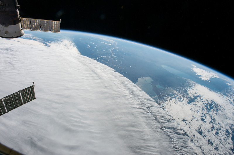 iss049e030828